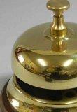 画像2: イタリア製 輸入雑貨 真鍮 ブラス テーブルベル チャイム 呼び鈴 カウンター レストラン ホテル アンティーク風 スティーラ 11×H12.5cm C3-658 ST-658 リビングスタジオ 直輸入 (2)