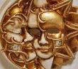 画像2: イタリア製 輸入雑貨 ベネチアンマスク 壁飾り 陶器 テラコッタ ベージュ ゴールド 金 マスカレード ヴェネチア 直輸入 ラグーナ社 BCE-09S 月 太陽 リビングスタジオ (2)