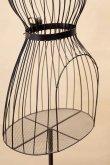 画像4: 輸入家具 トルソー スタンド アイアン 黒 ブラック マネキン トルーソー ディスプレイ オブジェ アンティーク風 シャビーシック フレンチ SA881874-BK (4)