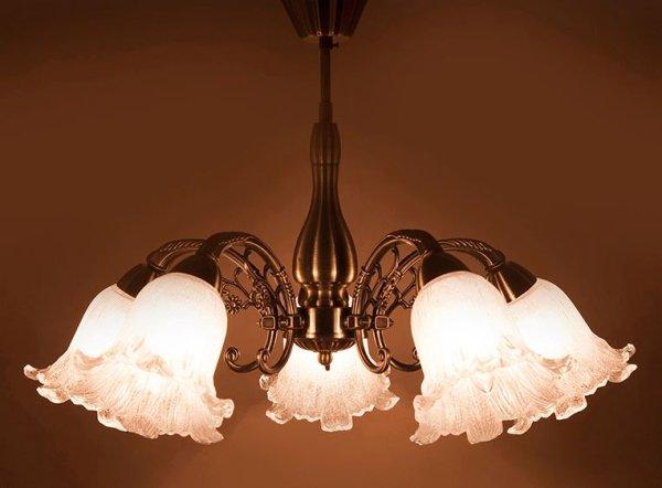 画像1: 輸入家具 照明 シャンデリア 天井直付 室内用 LED対応 シャビーシック 豪華 姫系 パリ ロクサーヌ 5灯 アンティーク ブロンズ DL16677-5C-AB 4kg (1)